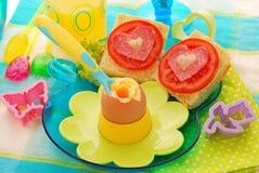 煮沸的早餐儿童蛋软件 免版税库存图片