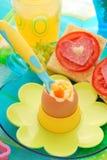 煮沸的早餐儿童蛋软件 图库摄影