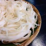 煮沸的泰国米细面条,通常吃与用咖哩粉调制 免版税图库摄影