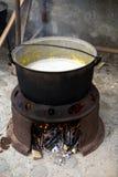 煮沸的牛奶 免版税库存图片