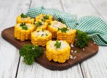 煮沸的玉米棒子 库存图片
