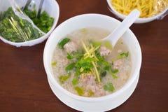 煮沸的米猪肉或软糊状食物-泰国样式早餐 库存照片