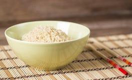 煮沸的糙米 免版税图库摄影