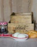 煮沸的鸡蛋和面包 库存照片
