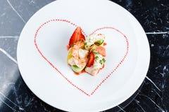 煮熟的大虾开胃菜用果子 库存图片