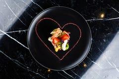 煮熟的大虾开胃菜用果子 库存照片