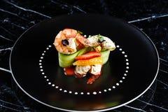 煮熟的大虾开胃菜用果子 免版税库存照片