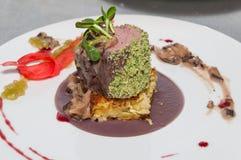 煮熟的小牛肉里脊肉 免版税库存照片