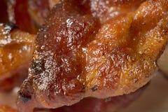 煮熟的烟肉特写镜头  免版税库存图片