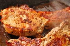 煮熟的猪肉牛排 库存图片