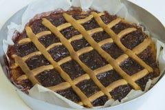 煮熟的馅饼用樱桃 意大利蛋糕 免版税库存图片