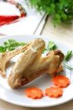 煮熟的鸭子翼 图库摄影