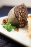 煮熟的haggis一半 免版税图库摄影