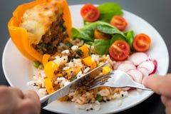 煮熟的peppar用肉和菜 免版税库存照片