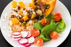 煮熟的peppar用肉和菜 库存照片