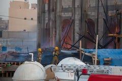 熄灭火消防队员科威特 免版税库存照片
