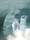 熊冰雕刻 免版税库存照片