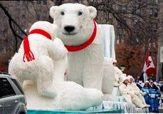 熊子句游行极性圣诞老人多伦多 库存图片