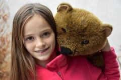 熊少年女孩的女用连杉衬裤 库存照片
