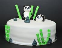 熊猫方旦糖生日蛋糕 库存照片