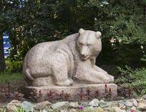 熊雕塑 免版税库存图片