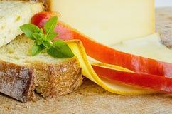 熏制的装满凝固肥油的乳酪4 库存照片