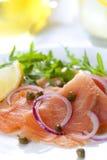 熏制鲑鱼沙拉 库存图片