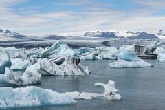 熔化在Jokulsarlon的冰川 免版税库存图片