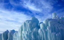熔化的冰和蓝天 图库摄影