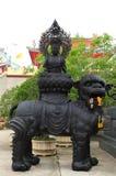 熔合泰国瓷im kuan夏恩雕象的寺庙 免版税库存照片