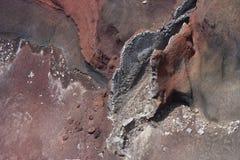 熔岩流的特写镜头在红色火山口的 免版税库存照片