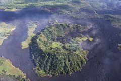 熔岩流鸟瞰图从火山Kilauea的爆发的 库存图片