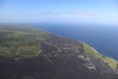 熔岩荒野直升机鸟瞰图由海洋,大岛,夏威夷的 库存图片