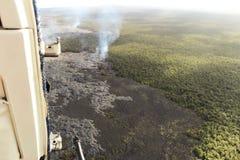 熔岩荒野空中直升机视图在Kilauea火山,大岛,夏威夷附近的 免版税库存照片