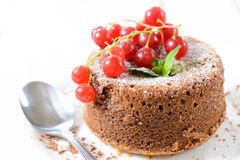 熔岩蛋糕 免版税图库摄影