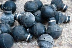 燃尽的催泪弹手榴弹 库存图片