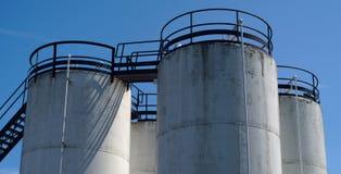 燃料石油坦克化工容器钢存贮 免版税库存照片