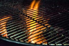 燃烧的格栅/wood-burning壁炉 免版税库存照片