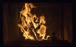 燃烧的火的纹理在壁炉的 免版税库存照片