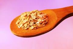 燕麦在匙子剥落 库存照片