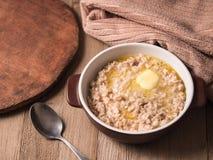 燕麦粥和黄油 库存照片