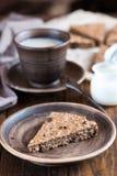 燕麦粥蛋糕用葡萄干 免版税图库摄影