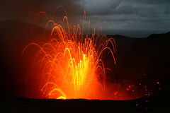 爆发和平的南瓦努阿图火山 图库摄影
