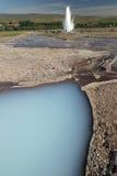 爆发喷泉冰岛stokkur水 免版税库存图片