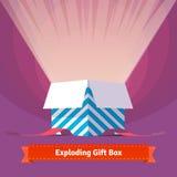 爆炸的庆祝礼物盒 免版税库存照片