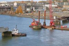 爆破乘员组和Marpole平旋桥 免版税库存照片