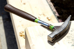 爪建筑锤子 库存照片