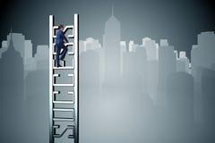 爬成功的事业梯子商人 免版税图库摄影