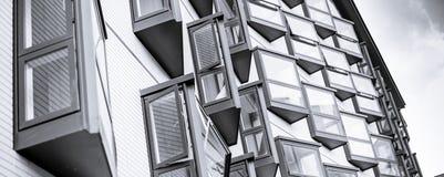 爱丁堡典型的现代大厦  免版税图库摄影