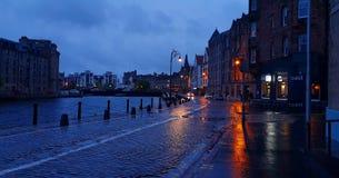 爱丁堡在晚上 库存照片